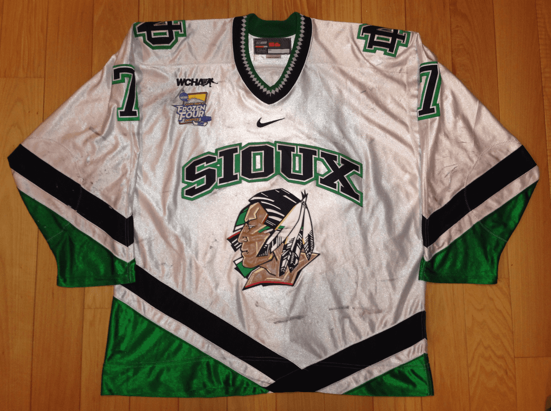 competitive price 8a4ae 373f2 T.J Oshie University of North Dakota Fighting Sioux 2007-08 ...